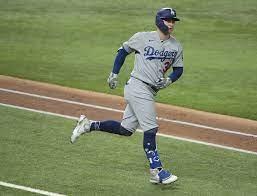 Joc Pederson leaves Dodgers to sign ...