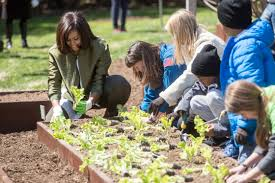 White House Kitchen Garden The First Lady Welcomes Spring With Annual White House Kitchen