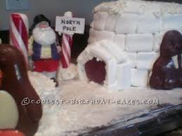 The making of cribs, the preparation of sweets; Coolest Homemade Christmas Cakes
