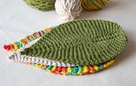 Free Knit Patterns Extraordinary Free Knitting Pattern Leafy Washcloth Tricksy Knitter By Megan