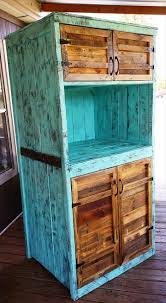 Upcycled Kitchen Upcycled Pallet Kitchen Hutch 101 Pallet Ideas