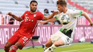 It is located west of the rhine, halfway between düsseldorf and the dutch bord. Fussball Bundesliga 31 Spieltag Auch Gladbach Stoppt Die Bayern Nicht Zdfheute