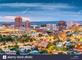 Albuquerque, New Mexico, USA downtown Stadtbild in der Dämmerung  Stockfotografie - Alamy