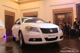 new car launches pakistanSuzuki Kizashi launched at 50 lakh Rupee in Pakistan