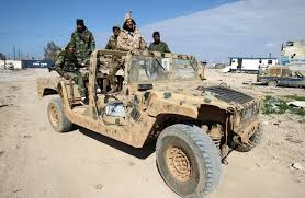 ليبيا - قصف جوي يستهدف قاعدة صحراوية وسقوط قتلى وجرحى