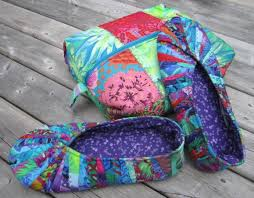 Pieced Snappy Slippers and Travel Case Gift Set - Paper Sewing Pattern &  Adamdwight.com