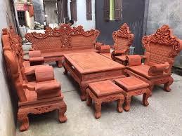 Cách chọn bàn ghế phòng khách gỗ hương sang trọng