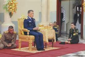 สมเด็จพระเจ้าอยู่หัว ปฏิบัติพระราชกรณียกิจ สมเด็จพระราชินีสุทิดา โดยเสด็จฯ  (ภาพชุด)