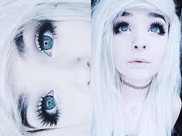 oh my her eyelashes