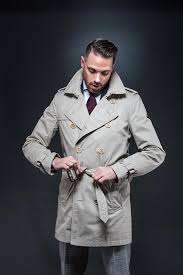 2 the knot how to belt a trench coat
