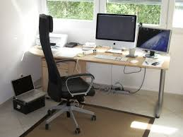 home office modern table. Modern Executive Office Chair Combined With Laminated Wooden Table And High Technology Computer Set Home