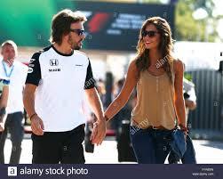Motorsports: FIA Formula One World Championship 2015, il Gran Premio  d'italia, #14 Fernando Alonso (ESP, McLaren Honda) con la sua fidanzata  Lara Alvarez Credito: dpa picture alliance/Alamy Live News Foto stock -