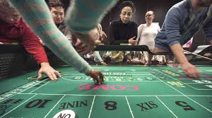 At Dealer School Job Seekers Roll The Dice For A Casino Gig