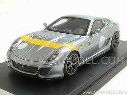 On 599 gto vs mp4 movie it was like 599 gto even didnt accelerate for one second or 599 had traction problem which is possible. Looksmart Ferrari 599 Gto 2010 Titanium Grey Yellow Stripe 1 43 Scale Model