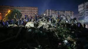 İşte İzmir'de meydana gelen depremden son dakika fotoğrafları! Foto Galeri