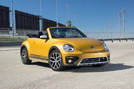 2018 volkswagen beetle turbo. delighful 2018 2017 volkswagen beetle convertible dune front three quarter for 2018 volkswagen beetle turbo