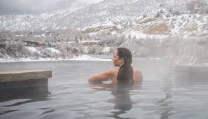 Husband let wife in hot spring