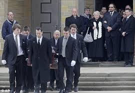 dawn brancheau funeral. Delighful Brancheau Enlarge Killer Whale On Dawn Brancheau Funeral