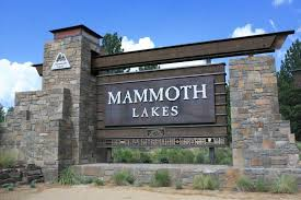 why we re moving to mammoth lakes mammoth life mammoth lakes gateway monoument close up mammoth lakes