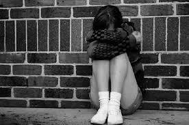 На Франківщині жінка заявила в поліцію на коханця: каже, розбещував її 12-річну доньку