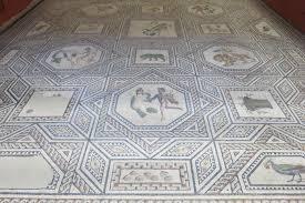 Sehenswertes bauwerk in mettlach, welches nach dem heiligen lutwinus benannt wurde. Antike Statten Dionysos Mosaik In Koln Mos Maiorum