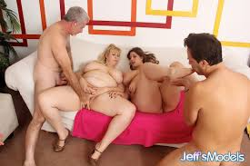 Hot SSBBW models eating pussy ass licking in bare feet during.