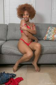 Naked Black Woman Mafia Mark Removes Shorts And Shows Her Nice Boobs