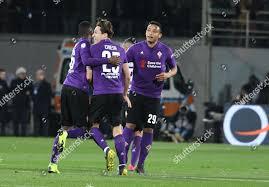 Fiorentinas forward Luis Muriel celebrates his teammates Redaktionelles  Stockfoto – Stockbild