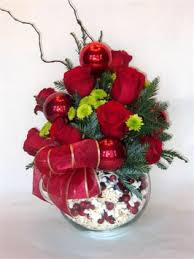 Beautiful Christmas Flower Centerpieces Ideas To Freshen Up Your Home 14