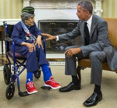 oval office july 2015. president barack obama greets the nationu0027s oldest living veteran emma didlake in oval office july 2015