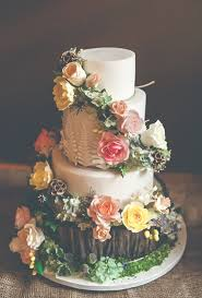 Woodland Inspired Wedding Cake With Sugar Flowers Brides