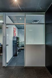 glass partitions vs solid partitions