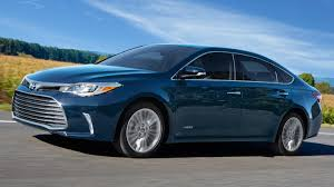 2018 toyota avalon hybrid. beautiful hybrid the 2018 toyota avalon hybrid does not compromise style and comfort for  economy throughout toyota avalon hybrid