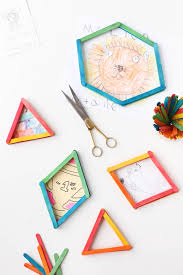 DIY // How to Reuse Popsicle Sticks to Create 3D Picture Frames in Minutes
