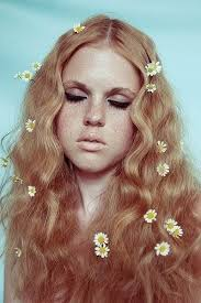 flowerchild makeup emphasis on the dark eyeliner and eyelashes and i really love the natural lip