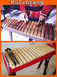 Karena keterbatasan berikut ini kami tuliskan semoga uraian nama nama alat musik tradisional dan asal daerahnya plus dilengkapi dengan gambar ini bisa menambah wawasan anda. Pin Di Alat Musik Tradisional Indonesia