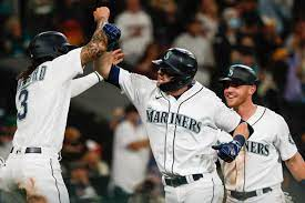Mitch Haniger gets serious with three ...