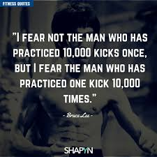 12 Bruce Lee Zitate Weisheiten Und Sprüche
