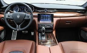 two colour leather interior of luxury sedan maserati quattroporte s q4 granlusso 02