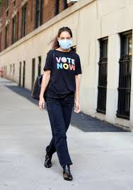 Katie Holmes Just Wore a $15 'Vote' T-Shirt From Old Navy | Glamour