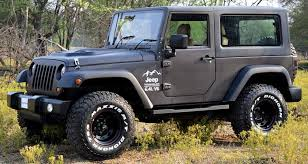 mahindra thar modified to look like a jeep wrangler