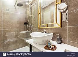 Modernes Interieur Badezimmer Mit Waschbecken Und Spiegel Glas