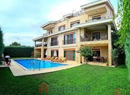 VİLLA Büyükçekmece Güzelcede sahile yakın muhteşem deniz manzaralı triplex villa  Satılık Konut Büyükçekmece Kumburgaz Güzelce Mah.