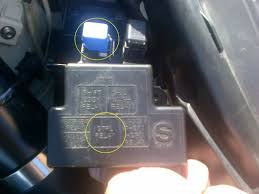 headlight relay nissan z forum i need to know what you have in the dtrl relay spot if anything fuse box under the hood on the drivers side strut tower