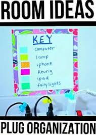 room decor diy maybaby. room ideas: plug organization. organize your plugs with washi tape and make a key. maybaby diybathroom decor diy y