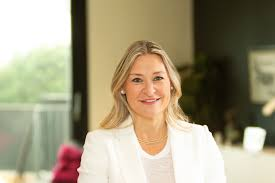 Alicia M Johnson - Consulting Principal, Technology Transformation, Ernst &  Young LLP | EY - Global