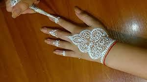белые татуировки хной новый мировой тренд мехенди для девочек дома хна для тату идеи рукоделия