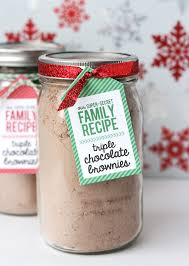 today i wanted to share a reeeeeally easy gift idea featuring my favorite super secret brownies it s perfect for a neighbor co worker teacher or friend