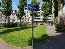 Fichier:Bruxelles - Schaerbeek - Square Maurane (2).jpg — Wikipédia