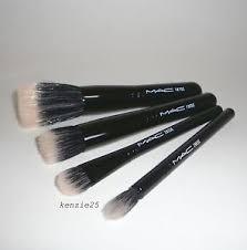 la foto se está cargando mac cosmetics perfectamente peluche mineralizar cepillo conjunto 130se
